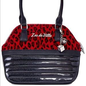 Dame red leopard